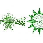 "KMNU IPB - ""Kehadiran Islam Indonesia yang direpresentasikan oleh Muhammadiyah dan Nahdlatul Ulama mampu menjadi oase dan kiblat baru bagi masa depan Islam di dunia.""Buya Syafii Maarif.Identitas bukuJudul :Dua Menyemai Damai: Peran dan Kontribusi Muhammadiyah dan Nahdlatul Ulama dalam Peradamaian dan Demokrasi.Penulis :Muhammad Nadjib Azca, Hairus Salim, Moh Zaki Arrobi, Budi Syafii, Ali Usman.Tahun Terbit : 2019Kota terbit : Yogyakarta, Indonesia.Jumlah halaman: 252Penerbit :Pusat Studi Keamanan dan Perdamaian, Universitas Gadjah MadaSiapa yang tidak kenal dua organisasi Islam besar Muhammadiyah dan Nahdlatul Ulama? Kedua organisasi ini digadang-gadang sebagai representasi Islam bercorak keindonesiaan yang damai, demokratis, dan berkeadaban. Lalu, bagaimana sebenarnya peran dua organisasi ini dalam pembangunan perdamaian dan demokrasi di kancah nasional, regional, dan bahkan internasional?Peran-peran tersebut disajikan buku ""Dua Menyemai Damai, Peran dan Kontribusi Muhammadiyah dan Nahdlatul Ulama dalam Perdamaian dan Demokrasi"" Buku ini disusun dan diterbitkan oleh Pusat Studi Keamanan dan Perdamaian Universitas Gadjah Mada sebagai sebuah narasi damai di tengah kemelut atmosfer tahun politik 2018-2019 di Indonesia.Muhammadiyah dan NU menjadi salah satu aktor utama dalam demokratisasi negara dengan penduduk Islam terbesar di dunia pasca jatuhnya otoritarianisme Orde Baru. Bentuk kontribusi Muhammadiyah dan NU pada era transisi demokrasi ini terlihat dari peran pimpinan kedua ormas ini yaitu Prof Dr Amien Rais dan KH Abdurrahman Wahid alias Gus Dur. Keduanya bahkan sempat menduduki dua jabatan tertinggi di Indonesia, Amien Rais sebagai Ketua MPR-RI dan Gus Dur sebagai Presiden RI.Wujud kontribusi lainnya adalah ranting-ranting Muhammadiyah dan NU yang tersebar di seluruh penjuru Indonesia mempunyai kekuatan struktural dan kultural yang telah membangun narasi damai dan konsolidasi demokrasi. Upaya Muhammadiyah dan NU berkembanh ke kontribusi pemberdayaan masyarakat m"
